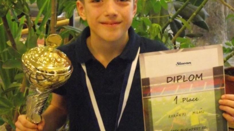 Korányi Milán (2.a) az MTK Budapest FC labdarúgó csapatával szlovákiai versenyen 1. díjat nyert