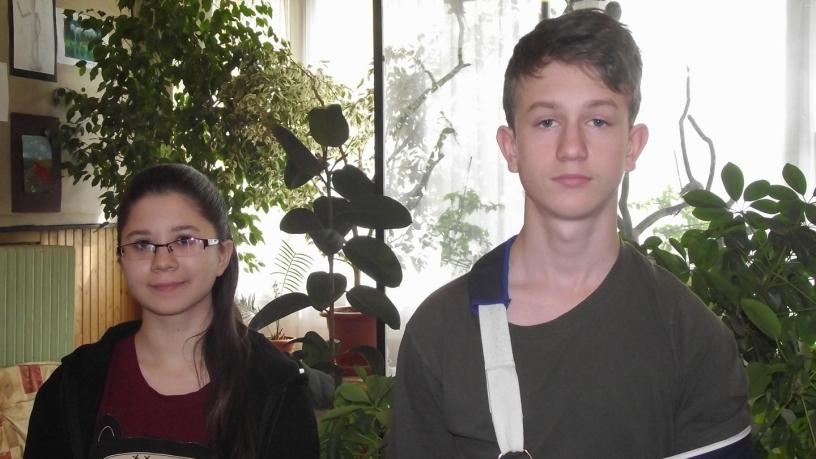 Kerületi vers és prózamondó versenyen Fehér péter és Barna Bianka is 4. lett