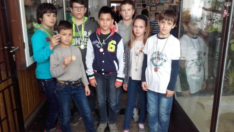 Kerületi dzsúdóverseny arany, ezüst és bronzérmesei
