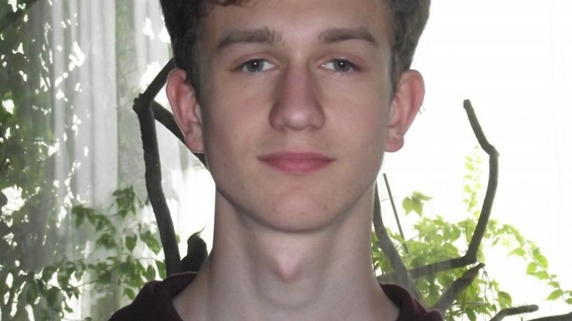 Fehér Péter 8.a a kerületi versmondó versenyen 3. lett