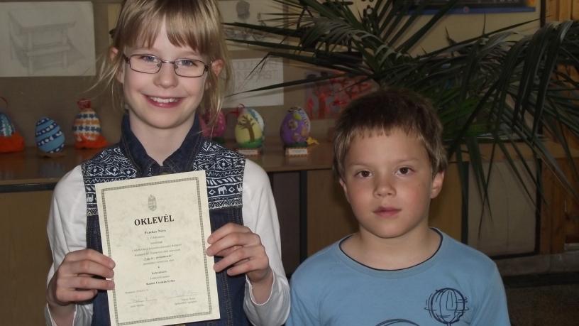 Kerületi vers- és prózamondó versenyen Székely Dániel 3., Fazekas Nóra 4. lett