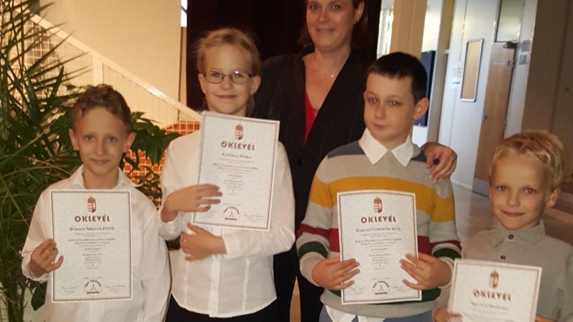 Bolyai területi matematika verseny 2. helyezést elért 3.b osztályos csapata
