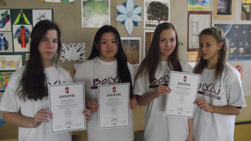Budapesti Bolyai anyanyelvi csapatverseny 1. helyezést elért 8.a osztályos csapata