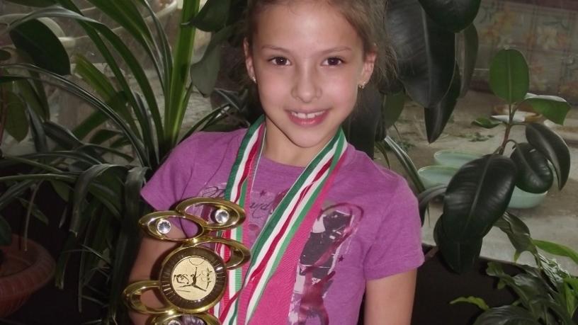 Deák Enikő 1.b ritmikus gimnasztika versenyeken három 1.,3.,6. hely