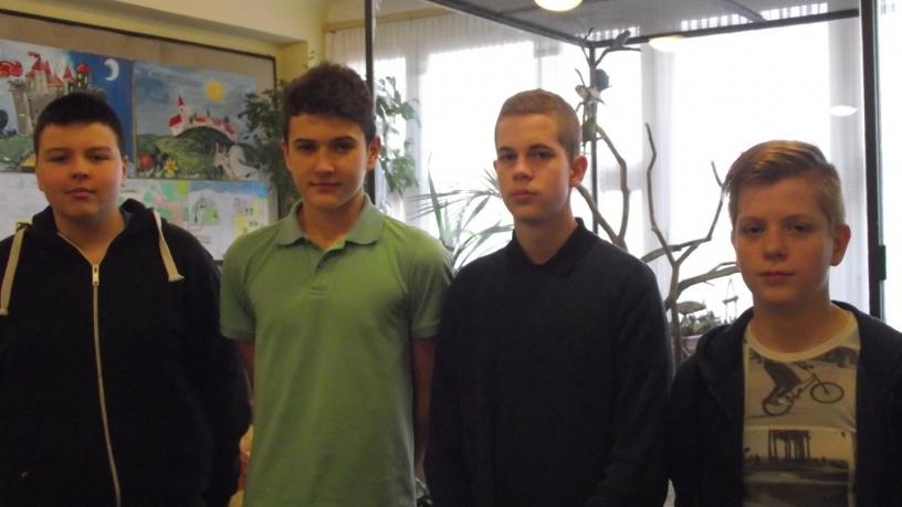 Bolyai anyanyelvi csapatverseny 7. helyezést elért csapat a 8. évfolyamon