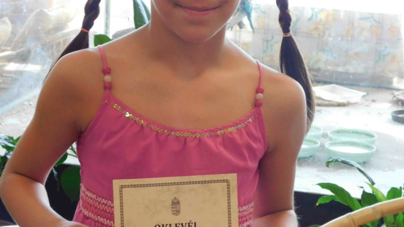 Kerületi vers- és prózamondó versenyen Lévai-Kovács Laura 4.a 1. lett