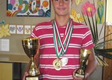 Págay Botond 8.b  2 arany és 2 ezüstérmet szerzett csapatával négy vízilabda bajnokságon